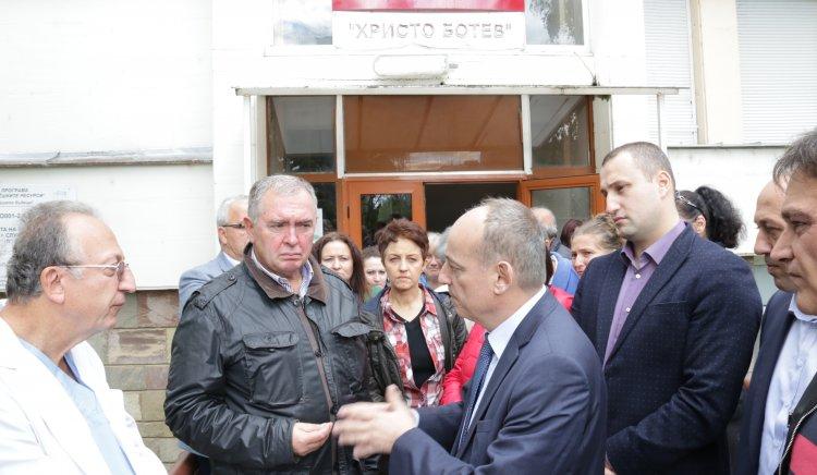 Готови сме с екшън-план за болницата  във Враца, така че заплатите  да бъдат платени